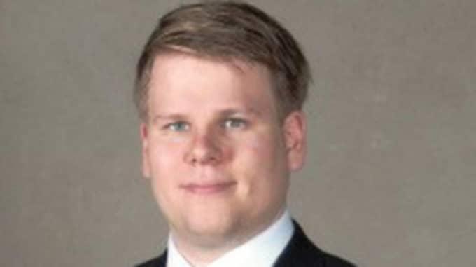 Jacob Hagnell, SD, är nämndeman i Södertörn tingsrätt.
