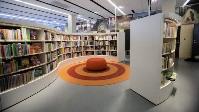 Läsplats. I de nybyggda gallerierna runt huset finns gott om läsplatser med utsikt över Avenyn och Lorensbergsparken. Foto: Henrik Jansson