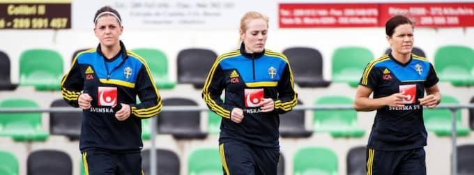 Debutanterna, från vänster: Olivia Schough, Carina Holmberg och Hanna Folkesson. Foto: Carl Sandin / Bildbyrån