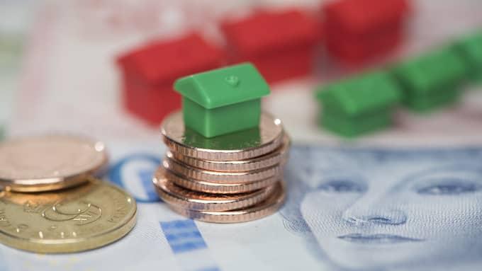 Enligt SBAB:s senaste boräntenytt är det en liten fördel med att binda lånen gentemot att behålla rörlig ränta. Men skillnanden är ännu väldigt liten – och en räntehöjning från Riksbanken spås inte förrän nästa höst. Foto: Fredrik Sandberg / TT NYHETSBYRÅN