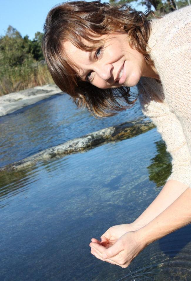PIGG. Therese Thun sover gott numera tack vare yogan. Nu hjälper hon andra och driver eget företag, Yoga-movement.se.<br>Fortsätt i bildspecialen och du får tre enkla yogaövningar för bättre sömn.