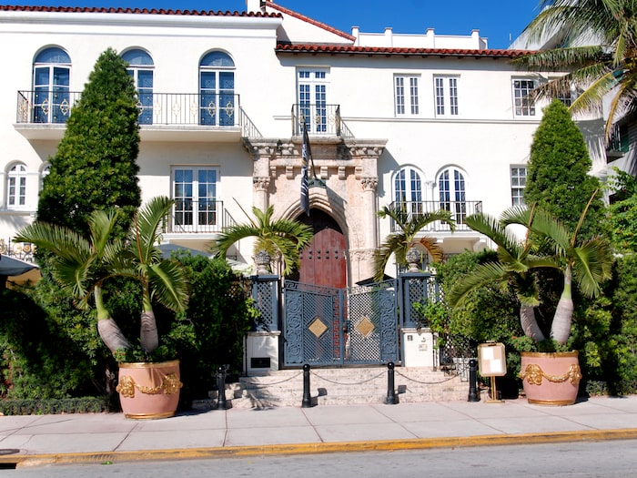 Modeskaparen Gianni Versaces villa på Ocean Drive.