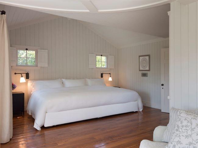 Sängen som nyligen gjorde succé på nätet, den 365 centimeter stora familjesängen –dubbelt så stor som en vanlig säng.. Då fanns den bara i USA, men nu kommer den även till Sverige!