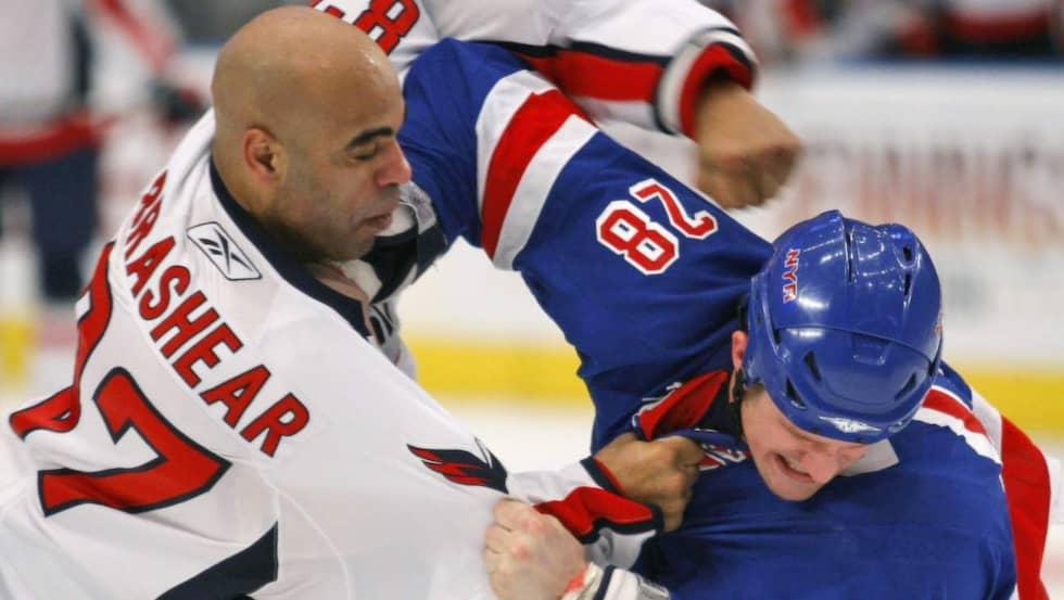 Donald Brashear är klar för Modo Hockey Foto: Kathy Willens