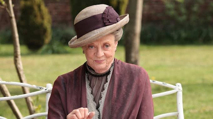 """""""Jag skulle hellre se Maggie Smith som ansikte för den nya Dior-kampanjen"""" skriver en person på Twitter. Foto: NICK BRIGGS / AP PBS"""
