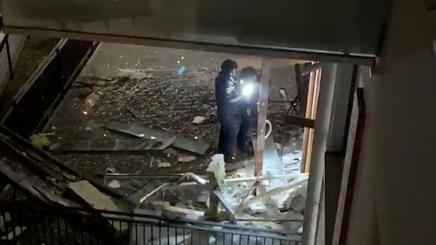 Kraftig explosion i flerfamiljshus i Bredäng
