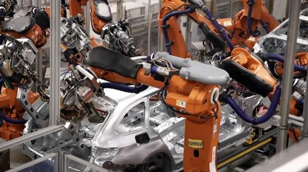 BMW:s robotarmé gör 1000 bilar – om dagen
