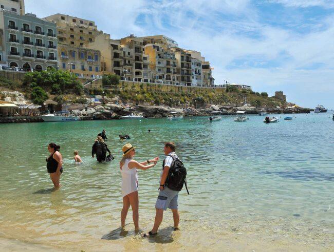 Xlendi på ön Gozo är en av Maltas minsta och mest avslappnade turistorter.