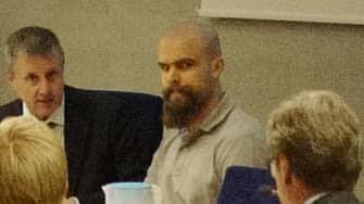 Viktor Melin under rättegången där han åtalas för sin delaktighet i samtliga tre sprängdåd. Foto: HENRIK JANSSON