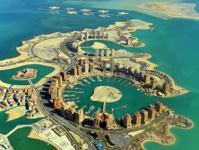 Flygningen på den 1 452 mil långa rutten startar i Doha, Qatar...