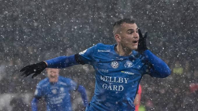 Dino Islamovic blev kvalhjälte i TFF:s snömatch mot Jönköping den 19 november 2017. Foto: CHRISTER THORELL/IBL