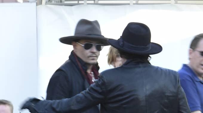 Johnny Depp på väg till båten Foto: / Pelle T Nilsson/Stella Pictures/2135