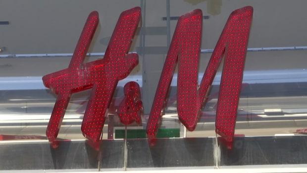 H&M får skarp kritik efter tröjtryck