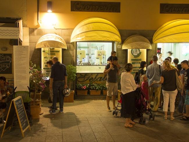 Många smaker att välja på hos Cremeria Corradini.