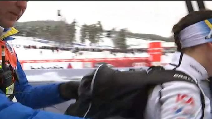 Här föser Nordvall bort Kalla från intervjun. Foto: Expressen TV.