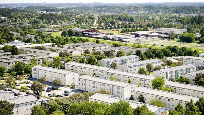 Den som hamnat i underklassens områden och skolor har svårt att ta sig därifrån, oavsett var han eller hon är född. Här Tensta i Stockholm. Foto: ALEX LJUNGDAHL / ALEX LJUNGDAHL EXPRESSEN