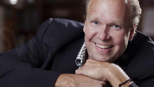 Lasse Kronér anklagas för sexuella trakasserier