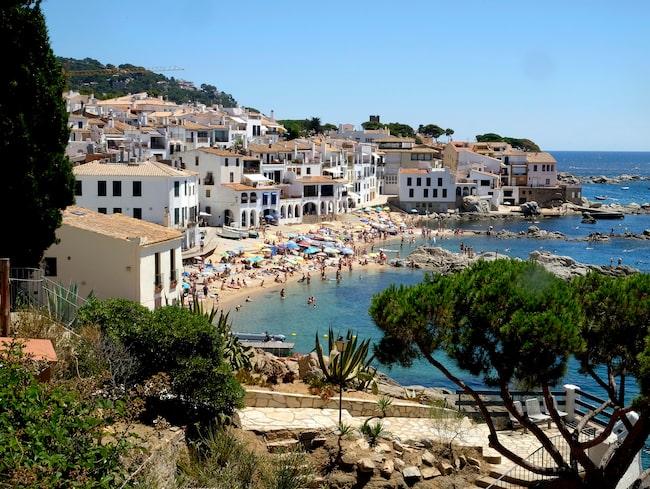 Stränder och mysiga restauranger avlöser varandra längs kusten. Costa Brava är ännu en hyfsat hemlig pärla.