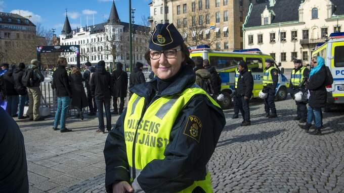"""""""Håll koll på väskan och stäng den"""", säger Ewa-Gun Westford, presstalesperson för polisområde södra Skåne. Foto: TOMAS LEPRINCE"""