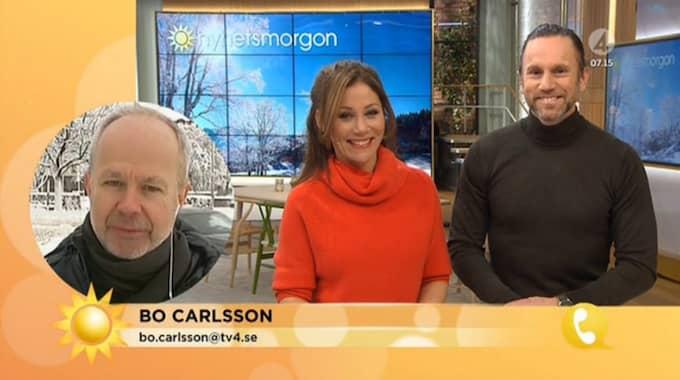 Bo Carlssons blunder lockar till skratt. Foto: TV4