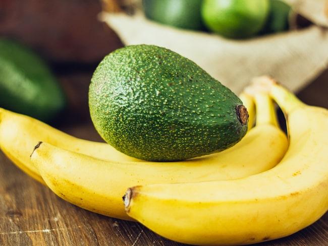 Kalium finns bland annat i avokado och banan.