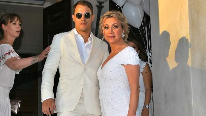 Simon Sköld och Camilla Läckberg är numer äkta makar. Foto: / ALEX LJUNGDAHL