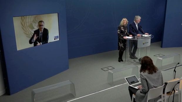 Teknikkaos under regeringens presskonferens