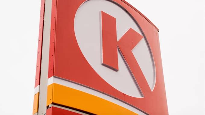 Lisa Vejlo Degerman, kommunikatör på Circle K, säger att företaget den 1 februari ändrade sina rutiner för kortbetalning i automat vid pump. Foto: Circle K
