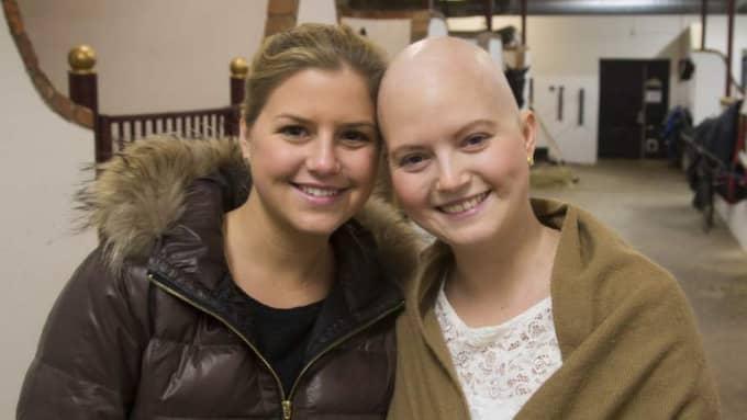 Philippa Davin, 22, har en obotlig nervsjukdom och systern Natasha, 24, har drabbats av cancer. Foto: Per Wissing