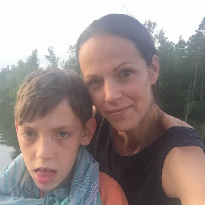– Det gör mig vansinnig, det är som en käftsmäll. Det är så jävla fult, säger Sofie Olsson, Arvids mamma. Foto: Privat
