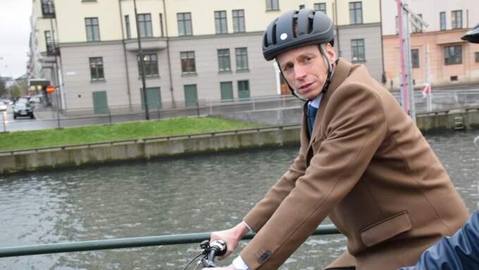 Biträdande finansminister Per Bolund på cykeltur i Malmö. Foto: Läsarbild