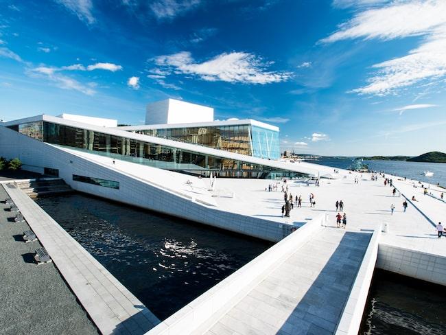Oslos landsmärke, Den Norske Opera & Ballet, ritad av det norska arkitektkontoret Snøhetta.