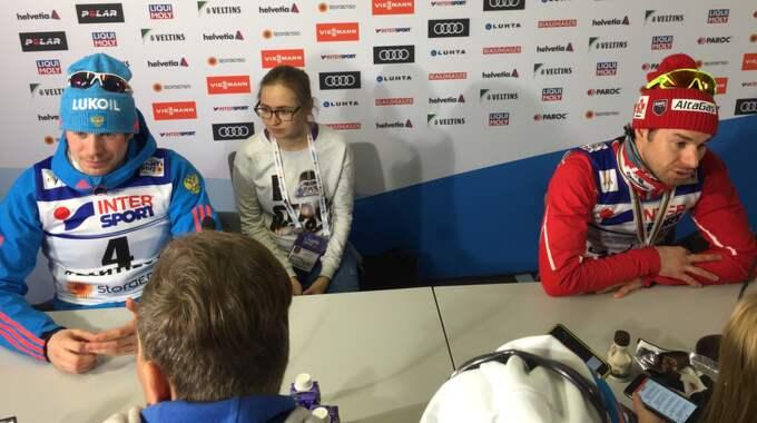 Ustjugov utan sin medalj på presskonferensen Foto: Petter Landén