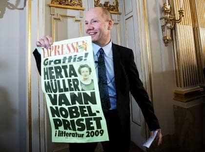 I dag var det dags för Peter Englunds Nobeldebut. Klockan 13.00 tillkännagav den ständige sekreteraren att Herta Müller tilldelats årets Nobelpris i litteratur. Foto: Roger Vikström