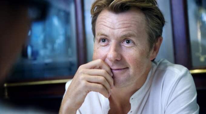 """MÅNGMILJONÄR: Fredrik Skavlan berättar i en intervju i Café om sitt liv som mångmiljonär. """"Man lägger sig till med dyrare vanor utan att man märker det"""", säger han. Foto: Anna Rut Fridholm"""