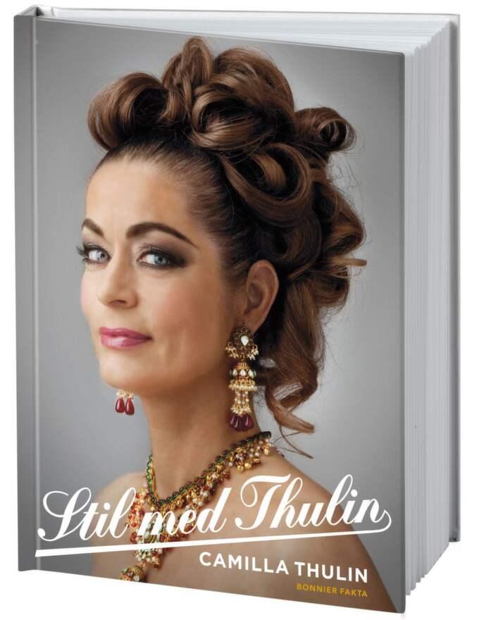 Omslaget till Camilla Thulins nya bok Stil med Thulin. Camilla har tidigare skrivit böckerna Stil (2005) och Karlar med stil (2007).