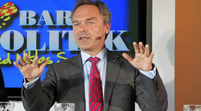 """""""Allra viktigast är att den som kommer till Sverige snabbt lär sig svenska och kommer in på arbetsmarknaden"""", skriver Folkpartiets tre ministrar Jan Björklund, Erik Ullenhag och Nyamko Sabuni på DN Debatt."""