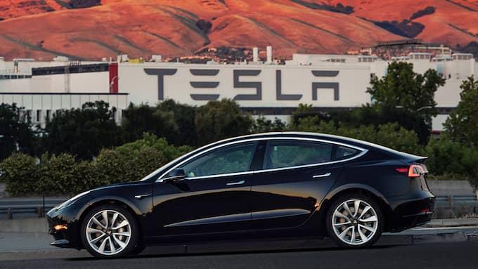 En av modellerna från elbilsjätten Tesla. Foto: AP / TT / NTB Scanpix