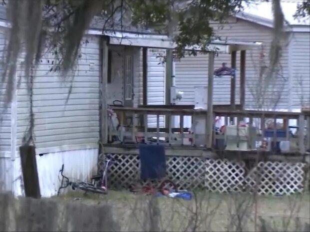 Det fasansfulla fyndet: Tre barn hittades döda i frysbox