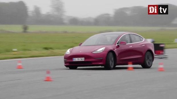 Tuffa tester av årets bil – här sladdar bilarna på banan