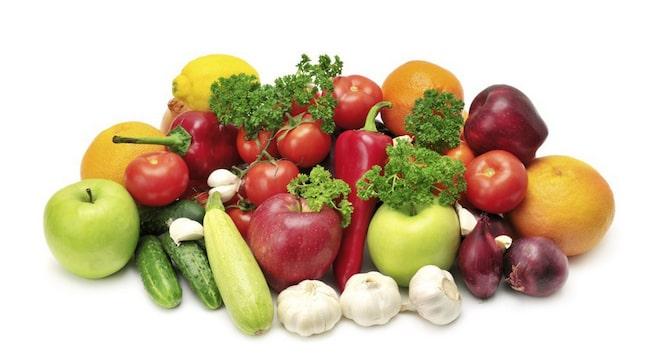 VÄLJ EKOLOGISKT. Undvik bekämpningsmedel i frukt och grönsaker.