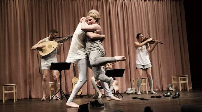 """Trots skickliga sångare och musiker vill aldrig """"Ingjutet i mitt hjärta"""" lyfta. Foto: Johan Westin"""