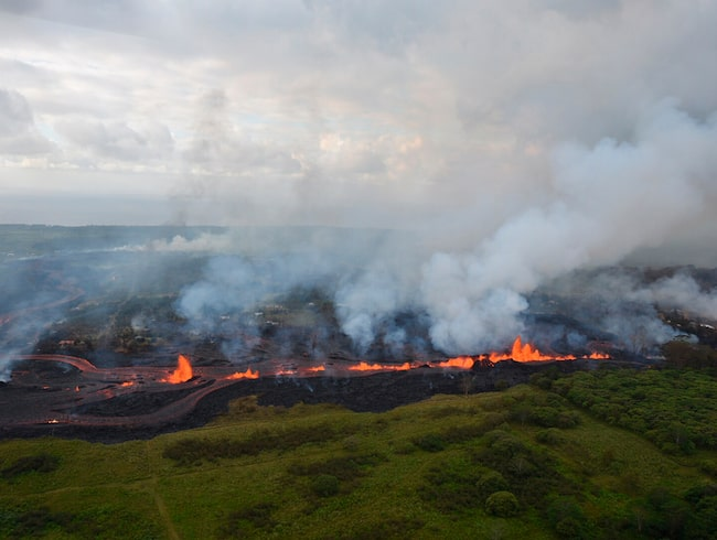 Lava från vulkanen Kilauea har skapat den nya stranden.