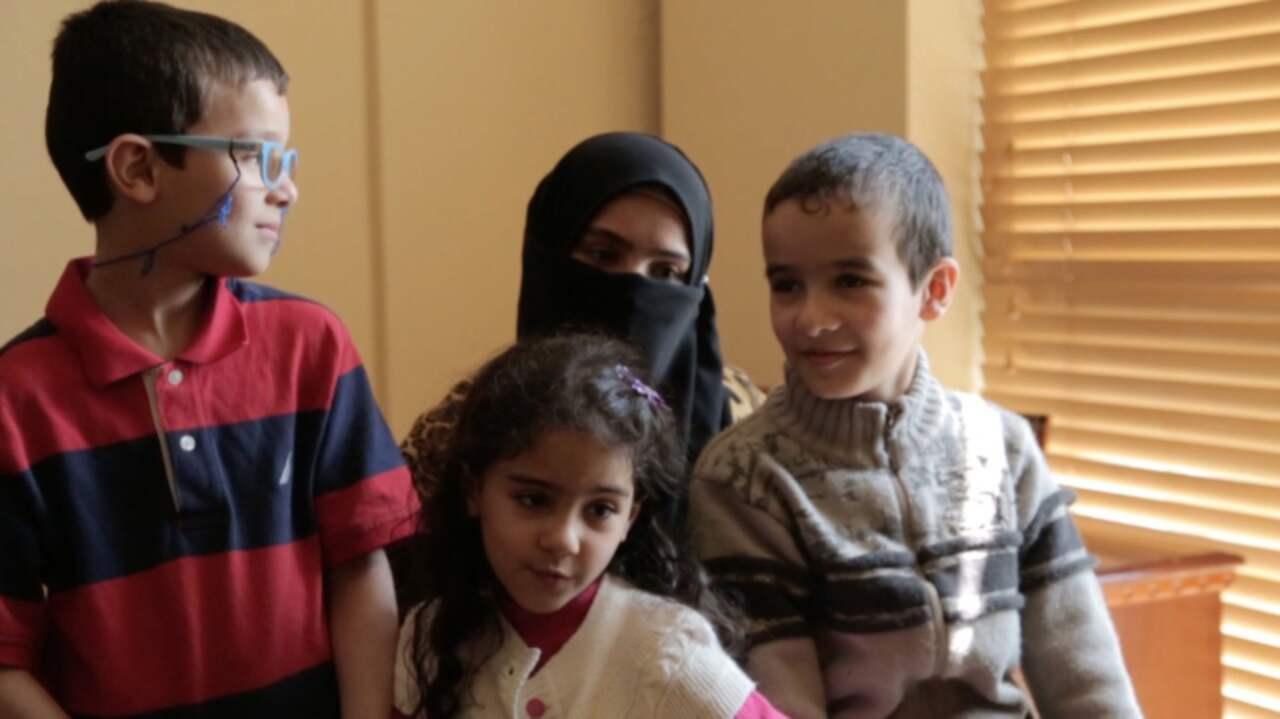 Saddams forsta fru och dotter efterlysta