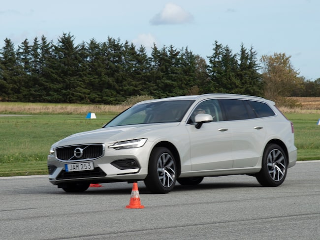 Volvo V60 D3 i undanmanöverprovet.