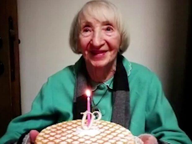 """102-åringen frisk från corona –kallas """"odödlig"""""""