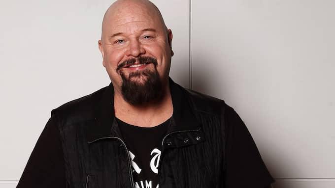 Anders Bagge är inte bara tv-profil, producent och låtskrivare – han är också djurälskare. Foto: CORNELIA NORDSTRÖM