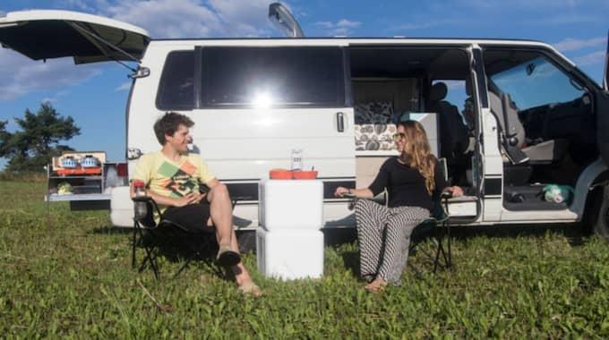Tanken är att paret ska resa i husbilen i tre års tid. Foto: Privat
