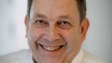 Hans Nilsson, kommunstyrelsens ordförande i Eda, har startat en namninsamling för att rädda den vita älgen. Foto: PRIVAT