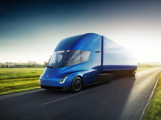 Här är Tesla Semi, den nya el-lastbilen från Elon Musk och hans företag.